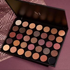 MORPHE 35F FALL INTO FROST ARTISTRY PALETTE